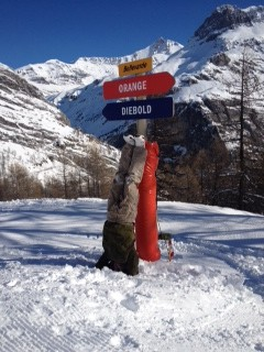 Steve Hand's slightly wobbly headstand in Val D'Isere, France
